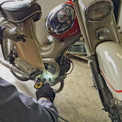 Cleaning of a vintage moped